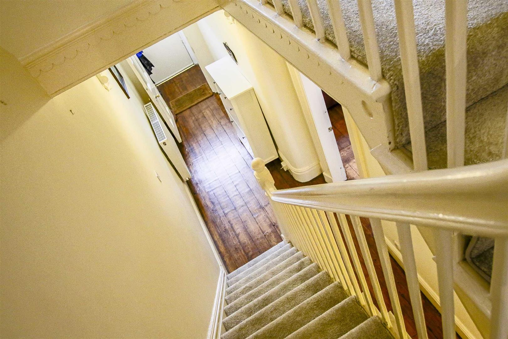 5 Bedroom Terraced House For Sale - Image 32